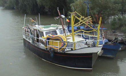 Două nemţoaice aflate pe un yacht în derivă, salvate de frontierişti
