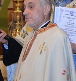 """Un preot din Tulcea destramă mitul """"necuratei lucrări"""" a cardului de sănătate"""
