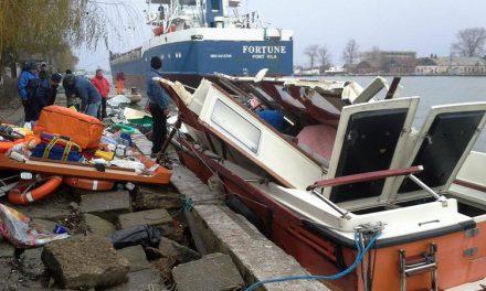 Un cargou sub pavilion Moldova a lăsat populaţia din deltă fără asistenţă medicală