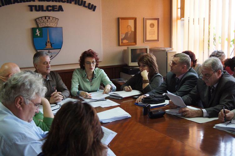 Aleşii PSD şi independenţii, prezenţi la şedinţa extraordinară a Consiliului Municipal