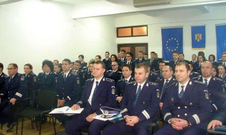 De Ziua Naţională, 41 de ofiţeri şi 62 de agenţi ai IPJ au fost avansaţi în grad