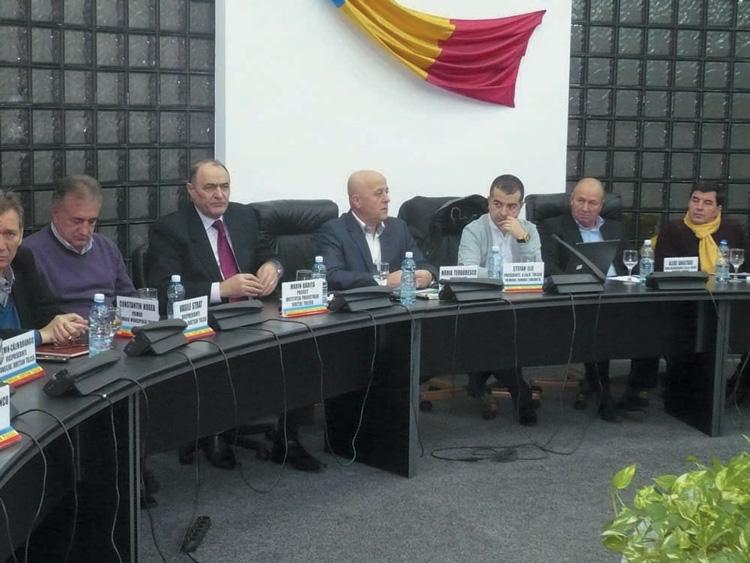 Şedinţă de final de an a Asociaţiei Comunelor din România, filiala Tulcea