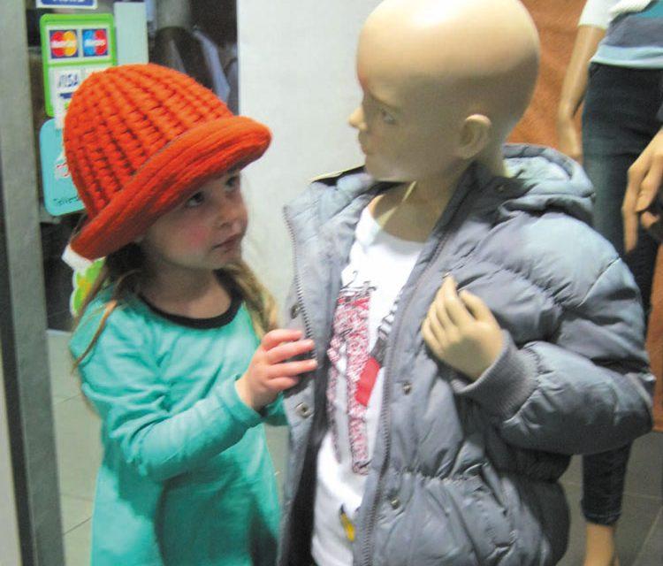 Copiii pot fi angajaţi în publicitate şi modeling