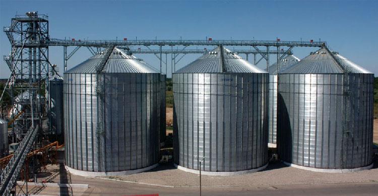 Fermierii tulceni îşi fac depozite de cereale