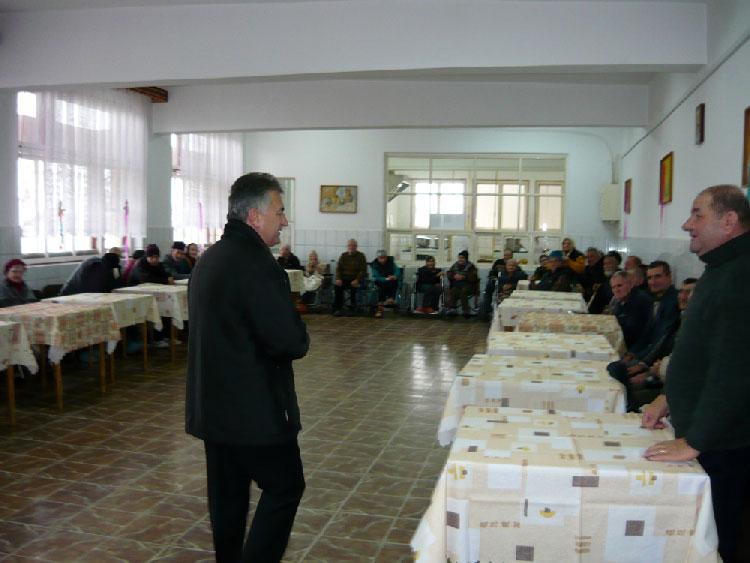 Primăria, dispusă să dea până la 300.000 euro pe un imobil în care să înfiinţeze un azil pentru bătrâni