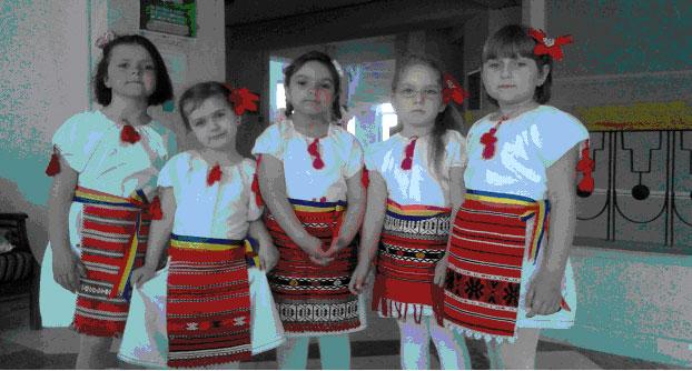 """""""Muguraşii din Cataloi"""", din nou premianţi la Festivalul Judeţean de folclor pentru preşcolari"""