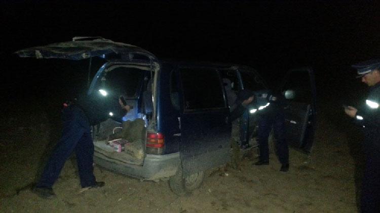 Suspecţi de braconaj cinegetic urmăriţi de poliţişti cu focuri de armă