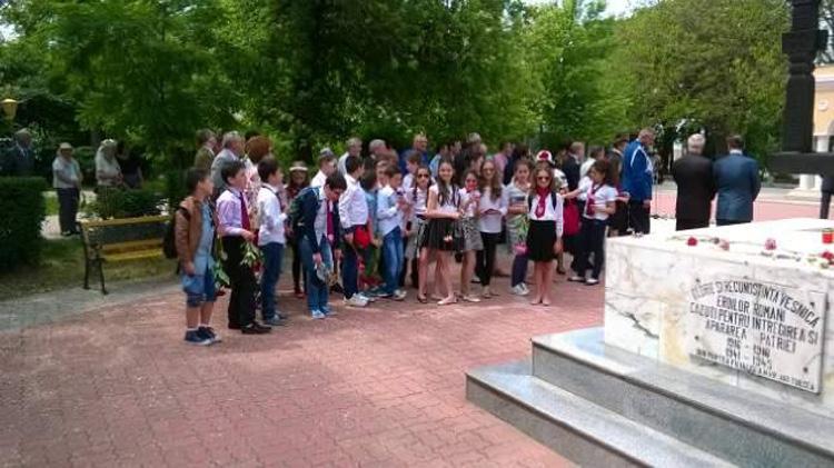 Manifestări dedicate Zilei Eroilor, organizate la Tulcea