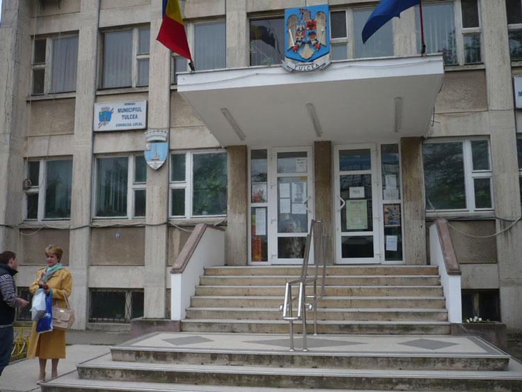 Protestatarii din Primăria Tulcea nu vor fi  sancţionaţi