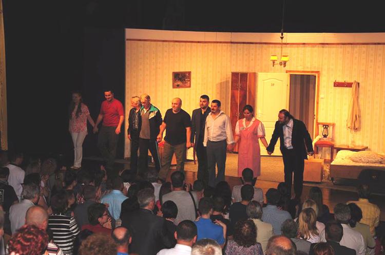 """Duminică, Publicul tulcean a avut o întâlnire de… 20 de minute cu îngerii de la """"Jean  Bart"""""""