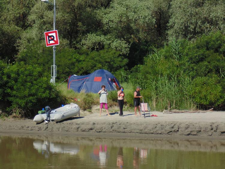 ARBDD vrea să amenajeze câte un loc pentru campare în fiecare localitate din Rezervaţie