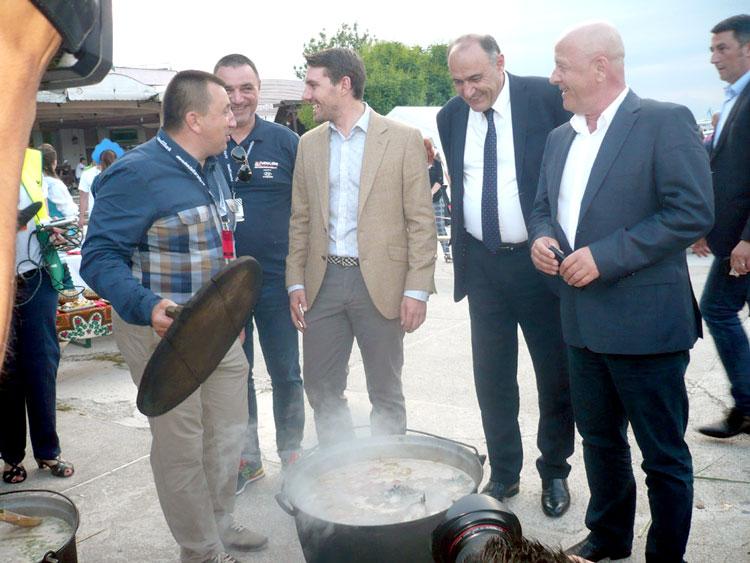 Borş de peşte de Cartea Recordurilor, la Jurilovca!