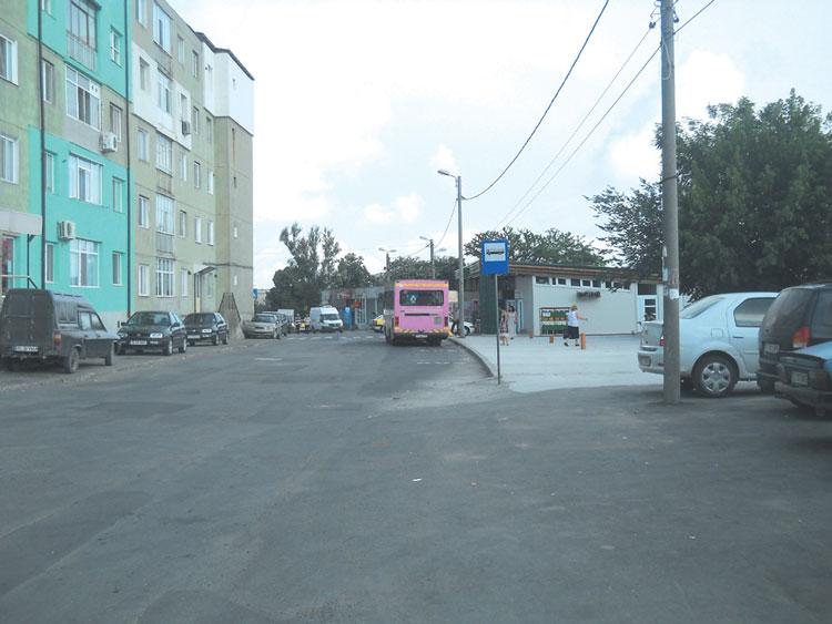 Trei rute de transport public, deviate din cauza lucrărilor de asfaltare a străzii Neptun