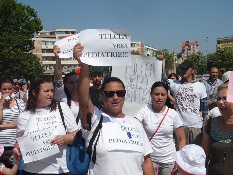 Părinţii au protestat, autorităţile au anunţat deschiderea Pediatriei