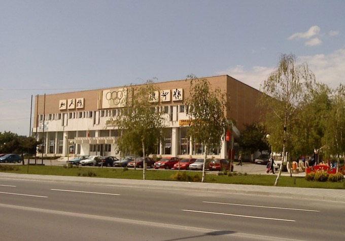 """E oficial! Sala Polivalentă şi Hotelul """"Casa Albastră"""", în patrimoniul Consiliului Judeţean Tulcea"""