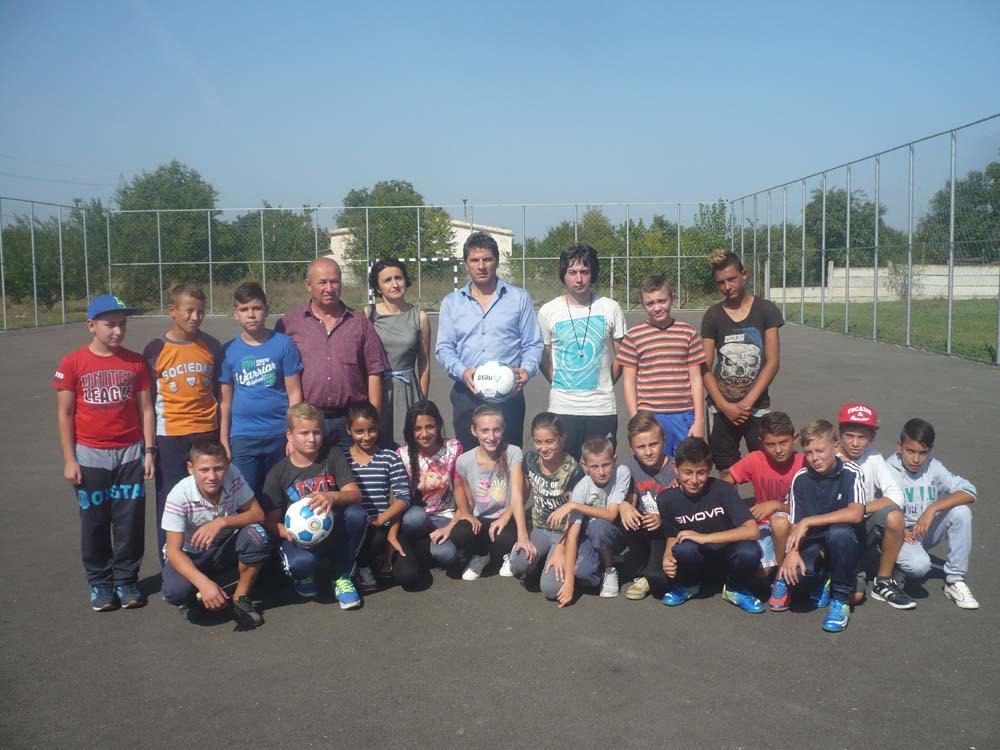 Bază sportivă modernă pentru elevii din Mihail Kogălniceanu