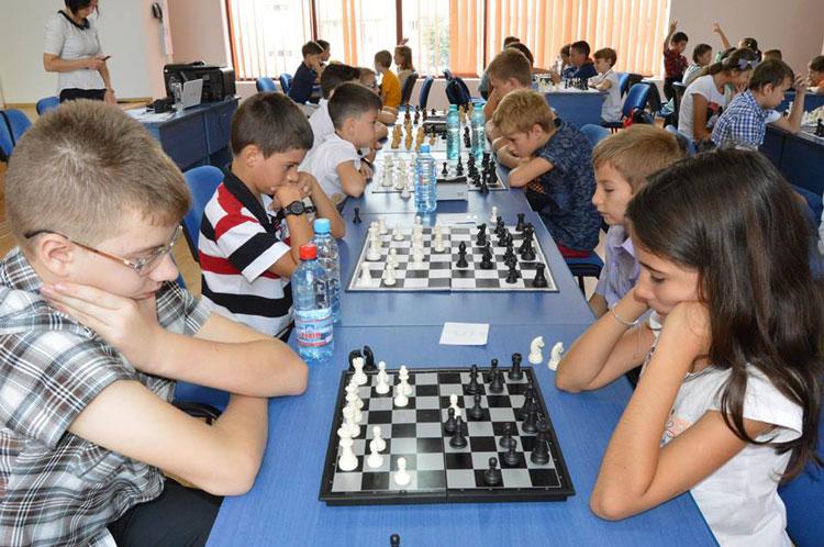 """Concursul de şah """"Vreau să devin mare maestru!"""" şi-a desemnat campionii"""