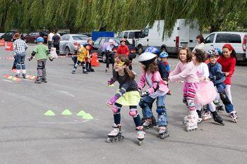 Parada rolelor şi bicicletelor, un semimaraton, desene pe asfalt şi flashmob, în municipiul Tulcea