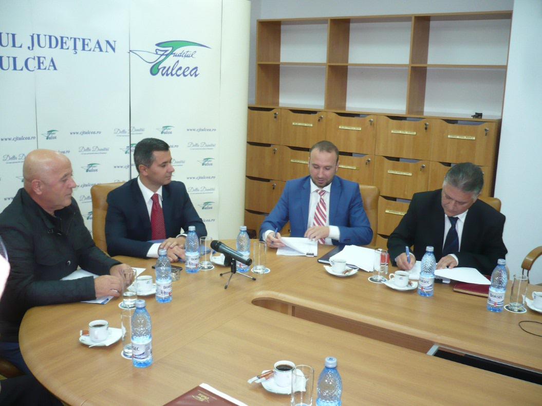 S-a semnat contractul de finanţare pentru lucrările de modernizare a Aeroportului de la Tulcea