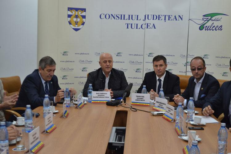 Problemele locuitorilor din Delta Dunării, supuse atenţiei Comisiei parlamentare pentru relaţia cu UNESCO