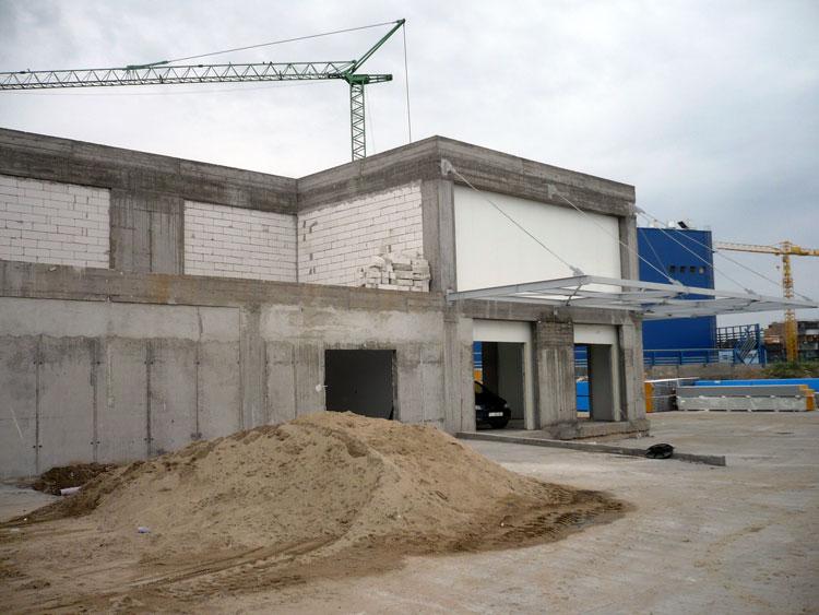 Guvernul a verificat stadiul lucrărilor la Bursa de Peşte