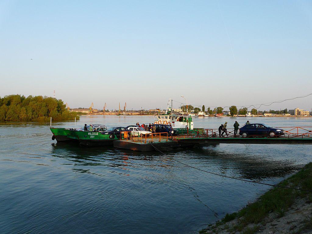 Procedura de execuţie la podul peste Dunăre, demarată în 2016