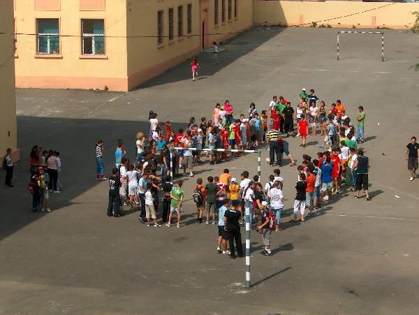 În ţara fără autorizaţie: la Tulcea, doar 8 din cele 141 de şcoli au avizul PSI de la pompieri!