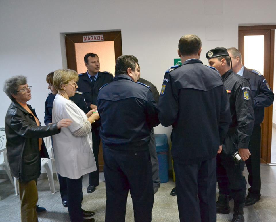 Jandarmii tulceni au demarat o campanie de donare de sânge pentru victimele din Colectiv