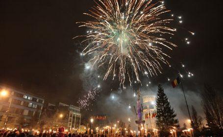 Pregătiri pentru Revelion: fără trupe pe scena din Piaţa Civică, dar cu foc de artificii!