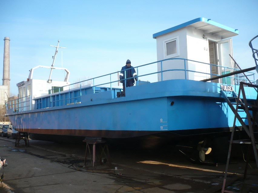 Navele care vor colecta peştele pentru bursă, lansate la apă