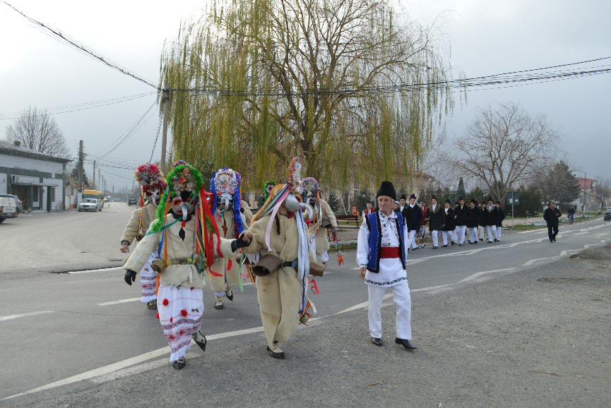 """Au început Moşoaiele, sărbătoare """"emblemă"""" a comunei Luncaviţa"""