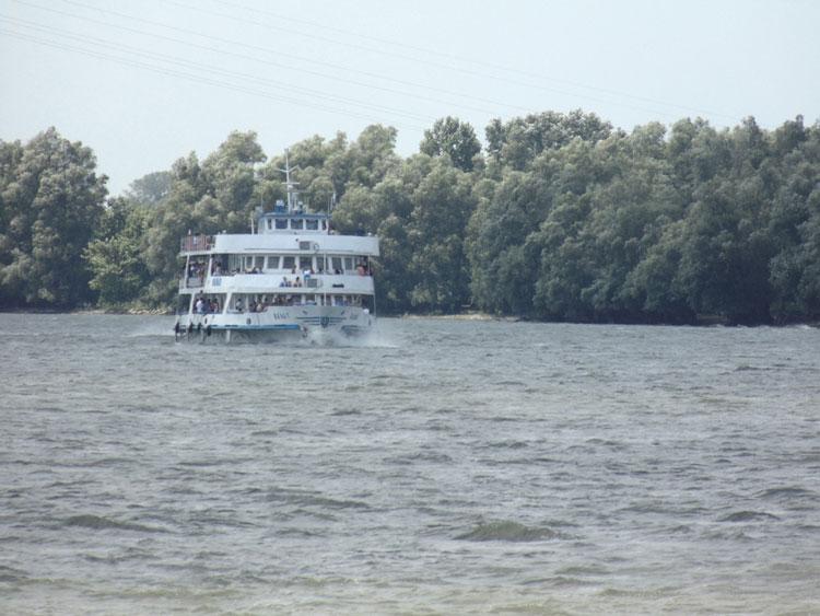 Omul de afaceri Daniel Iluşcă acuză operatorul care asigură transportul în Delta Dunării de concurenţă neloială