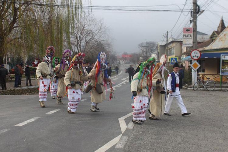 Primul popas al Moşoaielor de la Luncaviţa: noul Centru de Informare Turistică din localitate