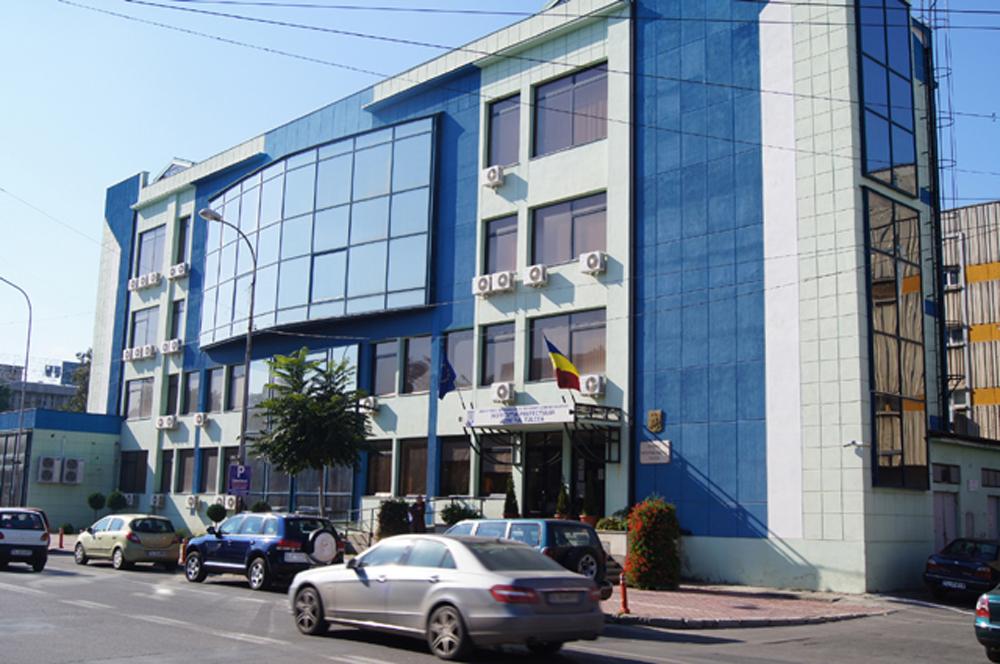 Prefectura Tulcea aşteaptă banii de la MAI pentru a cumpăra imobilul în care îşi desfăşoară activitatea