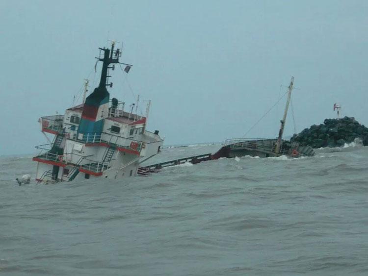 Epava navei Fortuna, tot în apele canalului Sulina