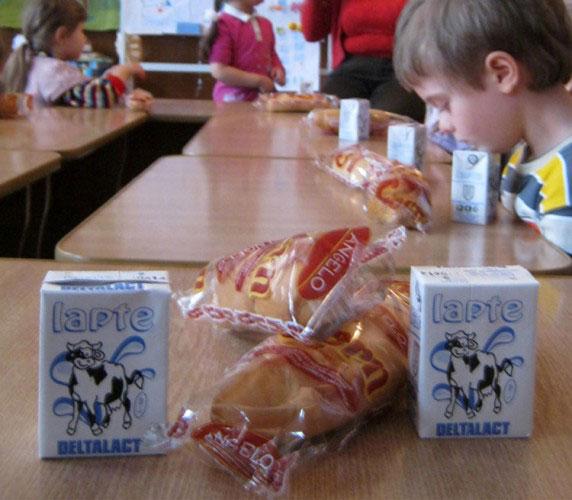 Societatea care furnizează laptele elevilor a primit ordonanţă de închidere a activităţii!