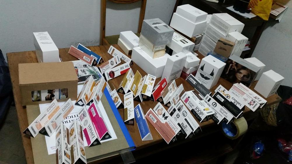 P.T.F. Vama Veche: tulcean prins cu 100 de flacoane de parfum ascunse în roata maşinii