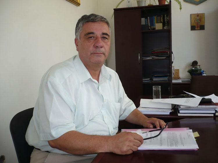 Constantin Cabuz, secretarul judeţului, iese la pensie după 26 de ani de activitate în administraţia publică locală