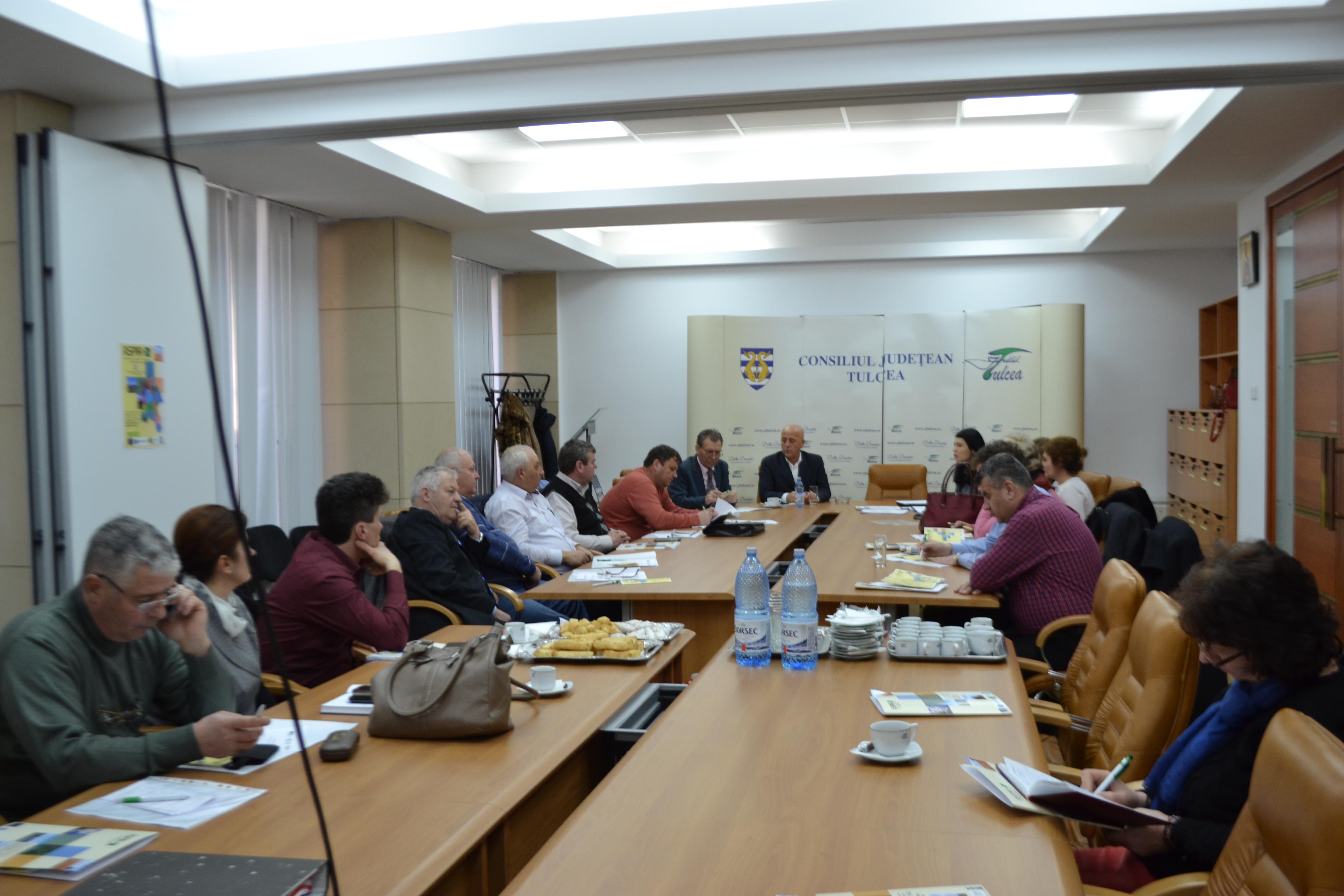 Înfiinţarea GAL Munţii Măcinului – Dunărea Veche aduce noi oportunităţi de finanţare pentru 16 primării din judeţ