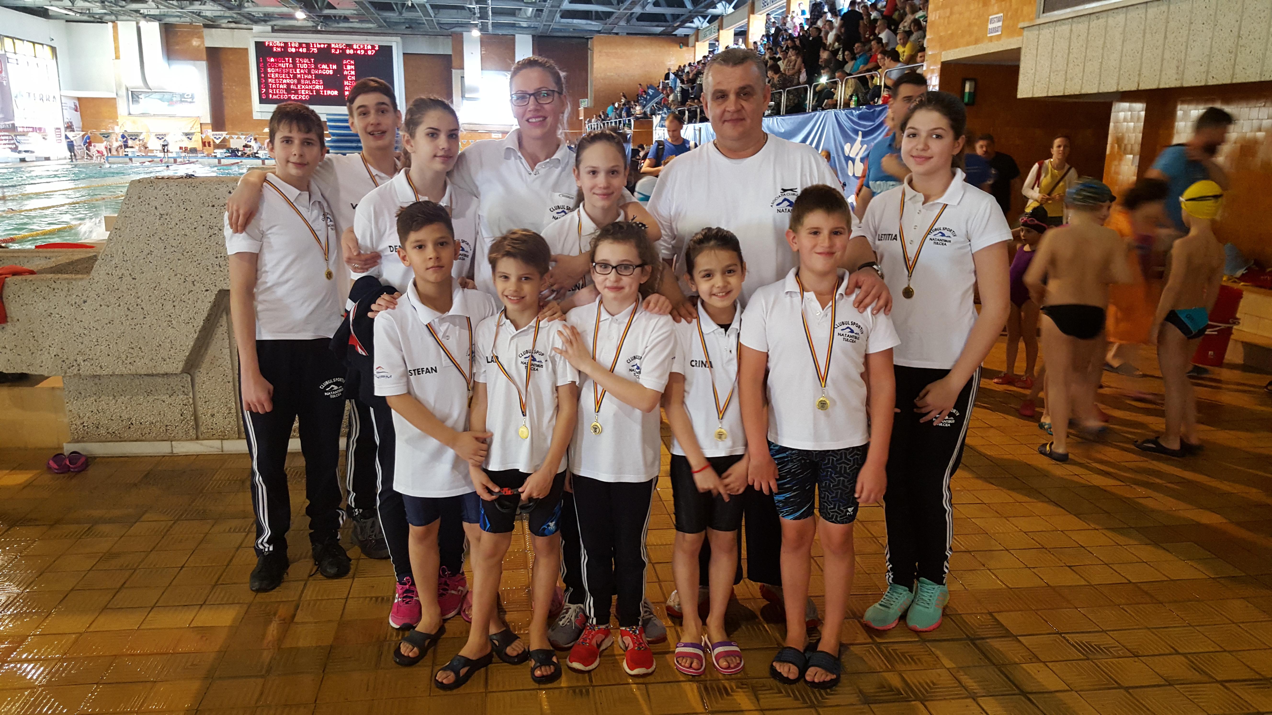 10 medalii pentru Natantibus la Cupa Mărţişor de la Piteşti