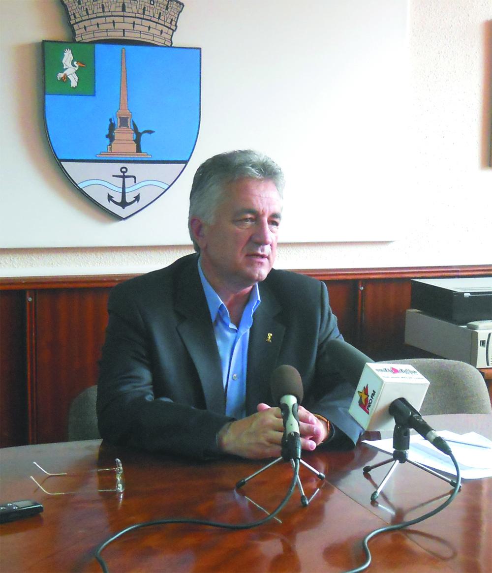 Se strâng semnături pentru candidatura primarului Hogea ca independent la obţinerea unui nou mandat