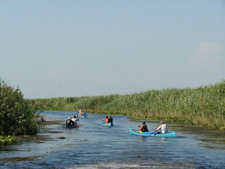 Patronatul din turism şi organizaţiile de pescari nu se mulţumesc cu cota alocată turismului din Delta Dunării