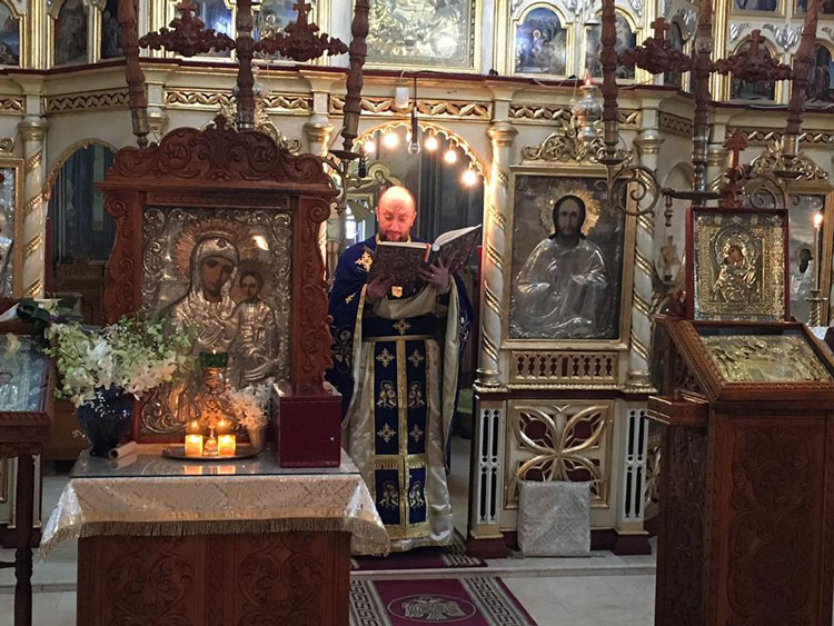 """Prima slujbă în limba armânească din Tulcea, oficiată la Catedrala """"Sfântul Nicolae"""""""
