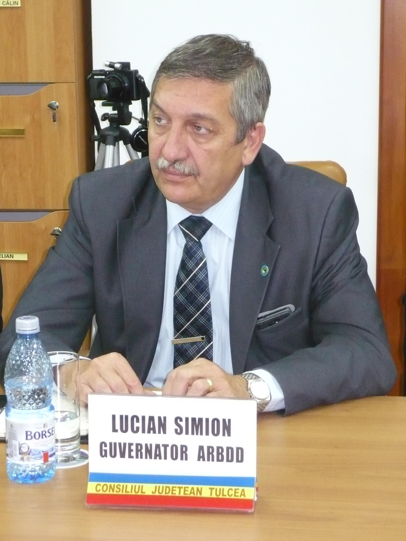 Revocat din funcţie, lui Lucian Simion nu i s-a mai permis participarea la Congresul Mondial UNESCO