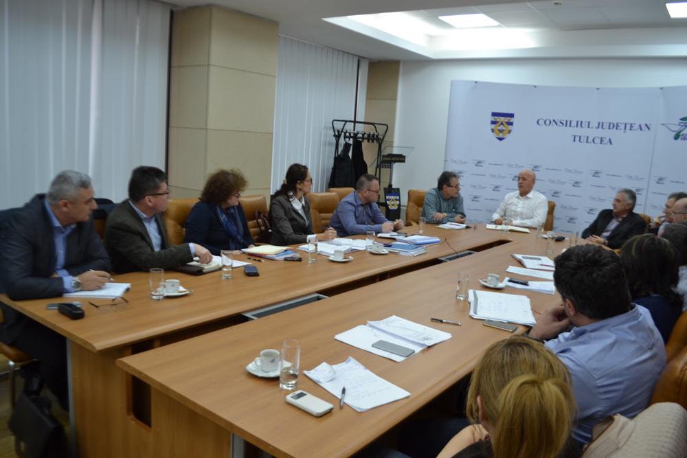 După doi ani şi jumătate, Preşedintele CJ Tulcea, Horia Teodorescu reuşeşte să promoveze proiectul pentru reabilitarea falezei