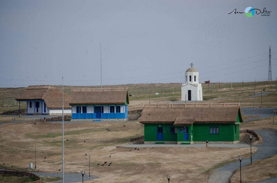"""membrii formaţiei """"Bere gratis"""", oaspeţi de seamă în satul pescăresc de la marginea municipiului"""