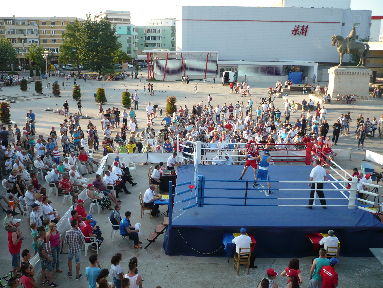 Box feminin la Centura Dunării