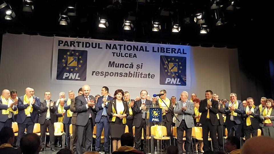 Peste 800 de liberali tulceni luptă pentru un mandat de primar, consilier judeţean sau local