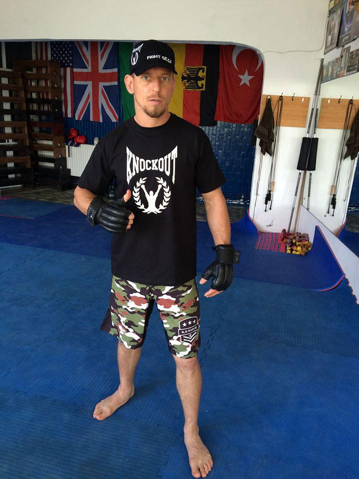 Tulceanul Daniel Pascale luptă în gala profesionistă de MMA de la Circul Globus