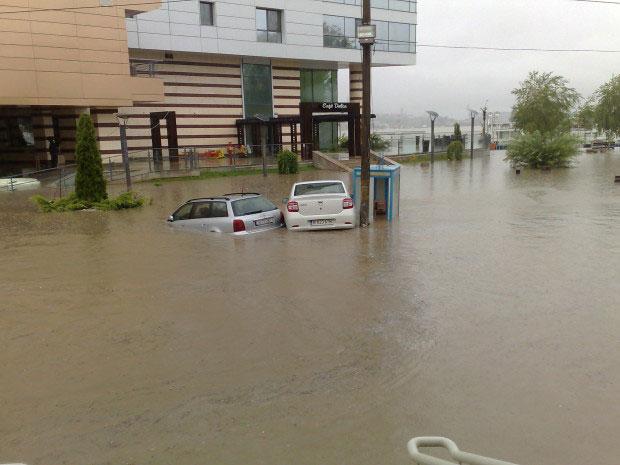 Peste 5,6 milioane de lei pentru modernizarea de urgenţă a sistemului de preluare a apelor pluviale